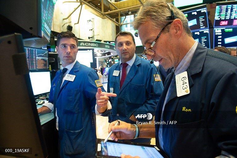 Khối ngoại bán ròng gần 50 tỷ đồng trong phiên 3/10 ảnh 1