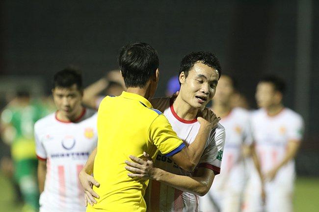 Lấy vé play-off, Nam Định ăn mừng như thể vô địch Ảnh 4