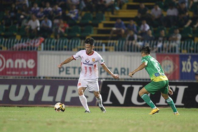 Lấy vé play-off, Nam Định ăn mừng như thể vô địch Ảnh 1