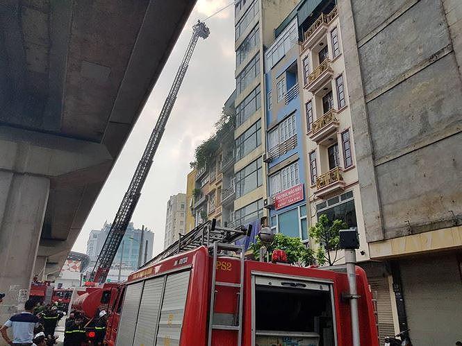 Quán karaoke 7 tầng cháy dữ dội đang bị đình chỉ vì vi phạm PCCC Ảnh 2