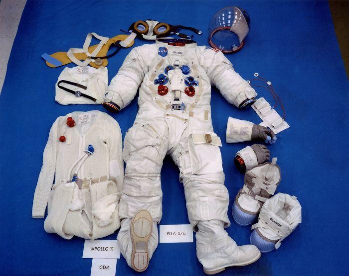 Tại sao dấu chân của Neil Armstrongs trên Mặt Trăng không khớp với đế giày? Ảnh 4