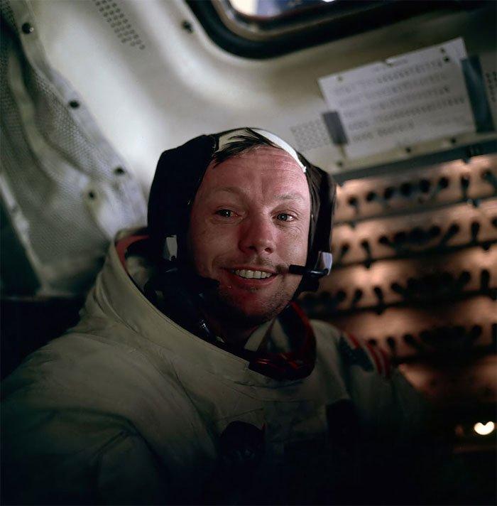 Tại sao dấu chân của Neil Armstrongs trên Mặt Trăng không khớp với đế giày? Ảnh 8