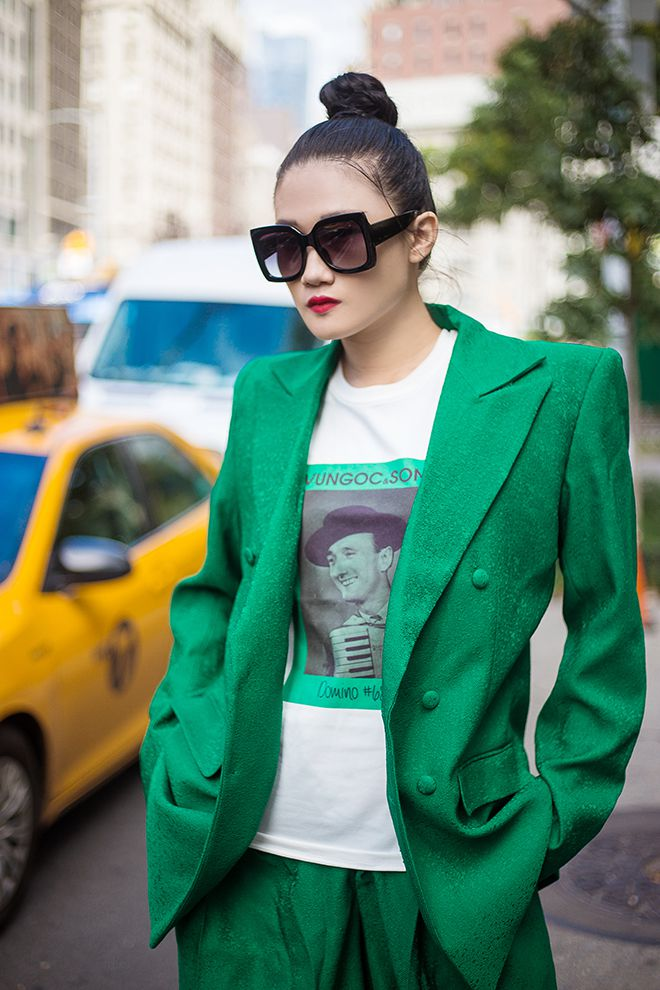 Mặc váy sarong màu xanh lá kiêu hãnh cuốn hút mọi ánh nhìn như Kha Mỹ Vân Ảnh 12