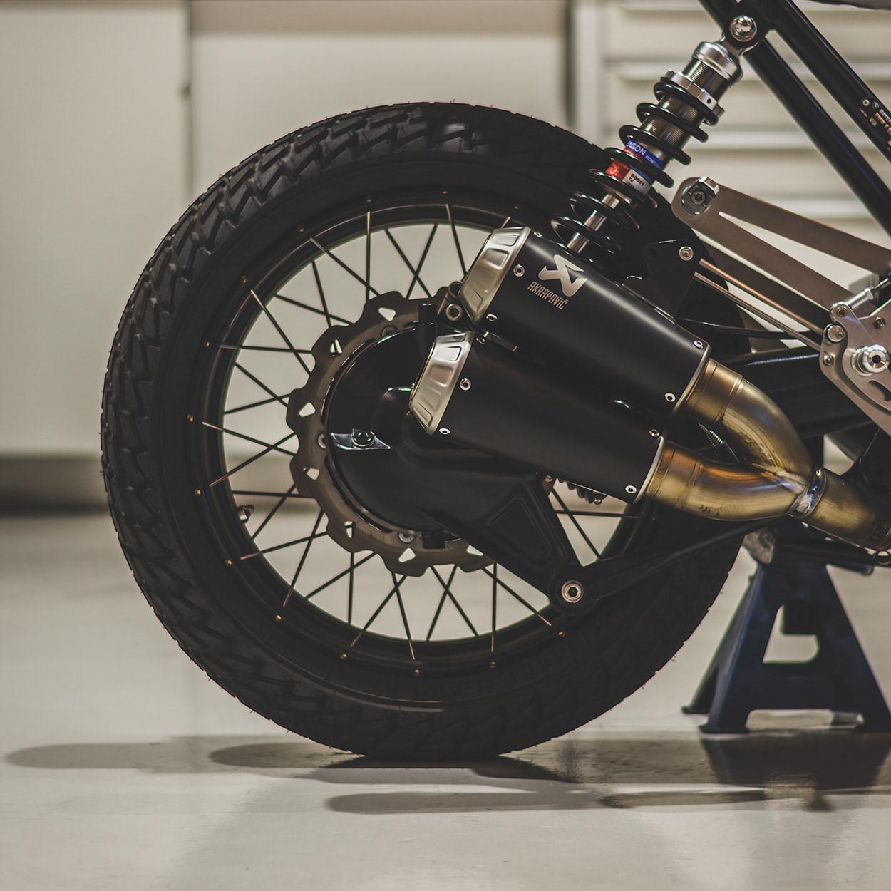 Mẫu độ BMW K100 Cafe racer mới nhất từ Bolt Motor Ảnh 4