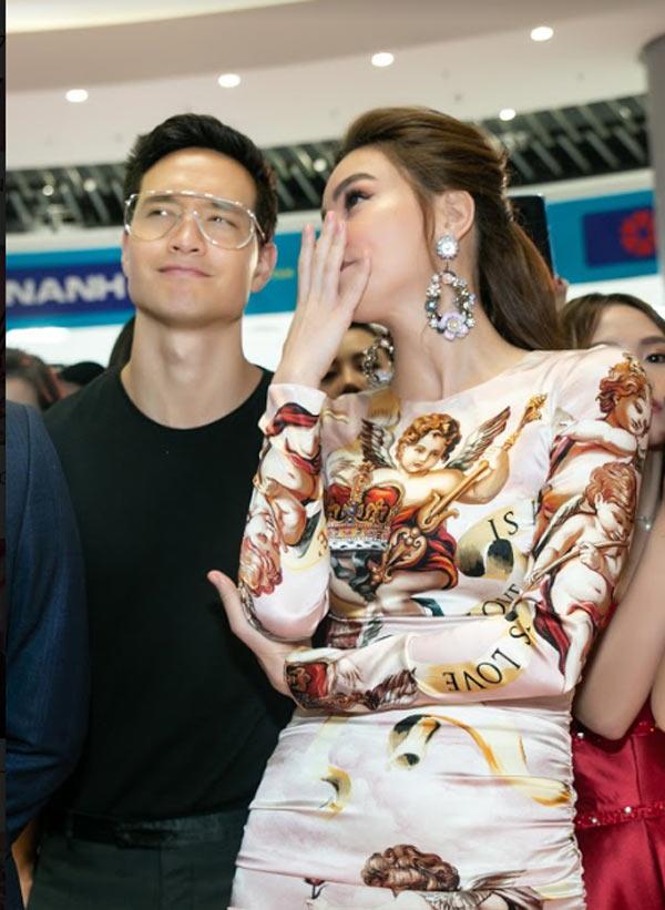 Hồ Ngọc Hà sang trọng với váy Dolce Gabbana Đàm Vĩnh Hưng tặng Ảnh 2