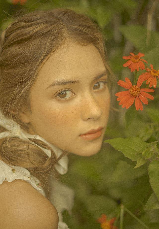 Vào thu đầy mộng mơ với cô gái Đà Lạt xinh như búp bê phương Tây Ảnh 9