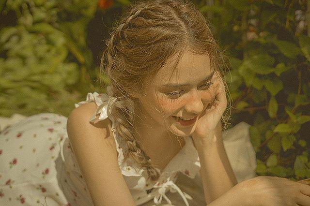 Vào thu đầy mộng mơ với cô gái Đà Lạt xinh như búp bê phương Tây Ảnh 3