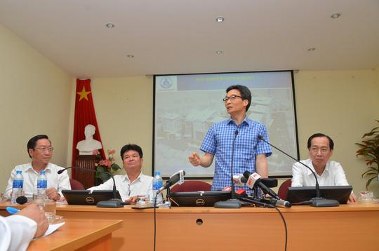 Phó Thủ tướng thị sát bệnh nhi tay chân miệng tại BV Nhi đồng 1 Ảnh 4