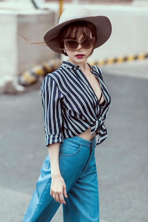 Ngắm phong cách thời trang từ nhà xuống phố gợi cảm của Sĩ Thanh Ảnh 7