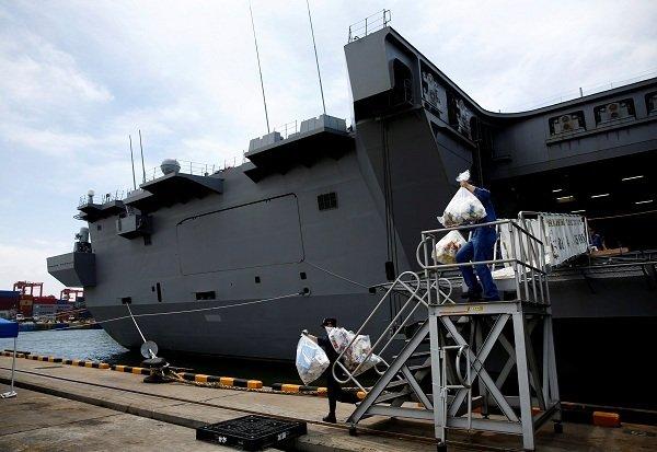 Bên trong hàng không mẫu hạm sạch bong của Nhật Bản Ảnh 5