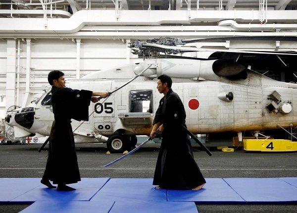 Bên trong hàng không mẫu hạm sạch bong của Nhật Bản Ảnh 4