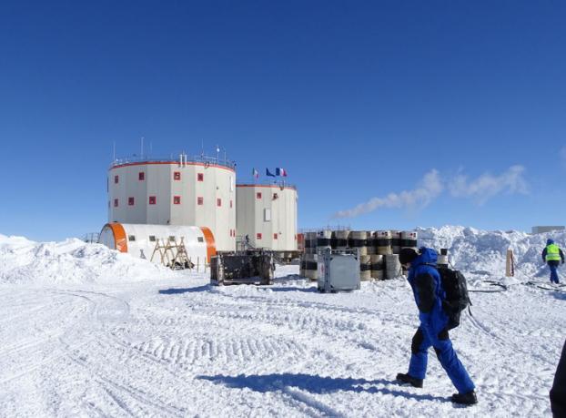 7 sự thật 'nổ não' về cuộc sống khắc nghiệt ở Nam Cực: Cấm đi tiểu khi tắm để tái sử dụng Ảnh 4