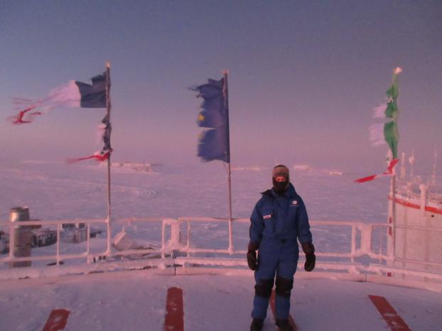 7 sự thật 'nổ não' về cuộc sống khắc nghiệt ở Nam Cực: Cấm đi tiểu khi tắm để tái sử dụng Ảnh 2