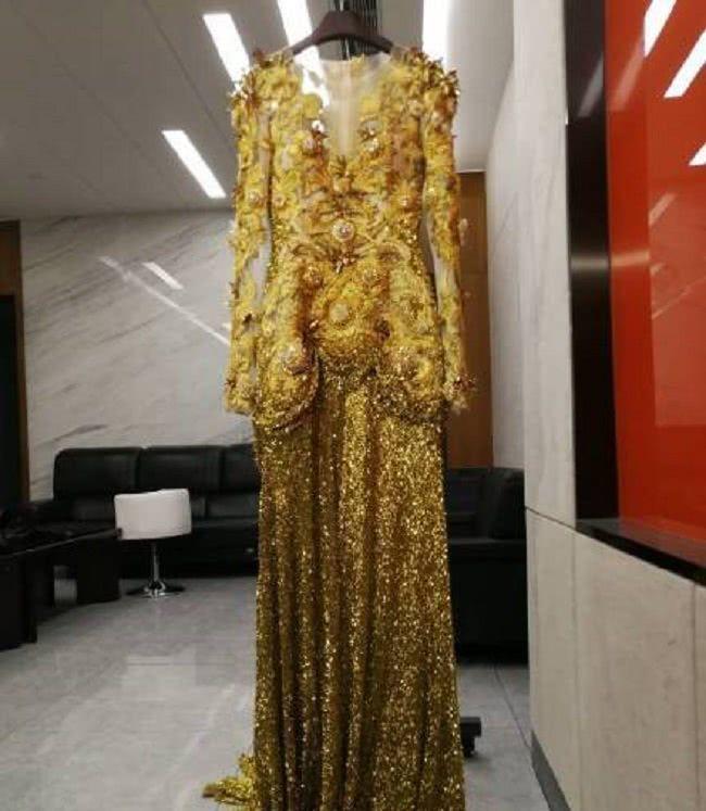 Dù lộng lẫy nhưng trang phục Nữ thần Kim Ưng Địch Lệ Nhiệt Ba vẫn chưa bằng Triệu Lệ Dĩnh và Đường Yên? Ảnh 7