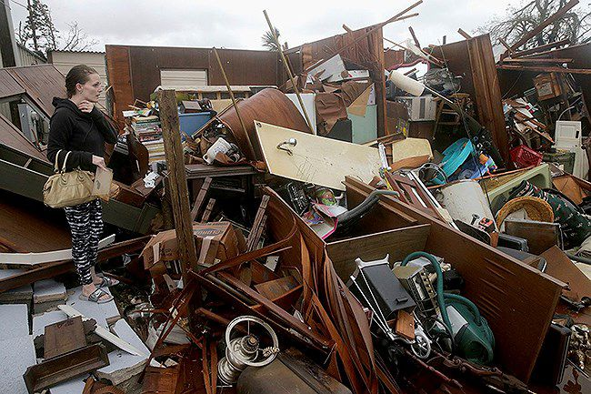 ít nhất 13 người thiệt mạng do hậu quả bão Michael ở Mỹ Ảnh 1