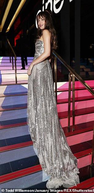 Mỹ nhân '50 sắc thái' Dakota Johnson gây ấn tượng với đầm cúp ngực Ảnh 6