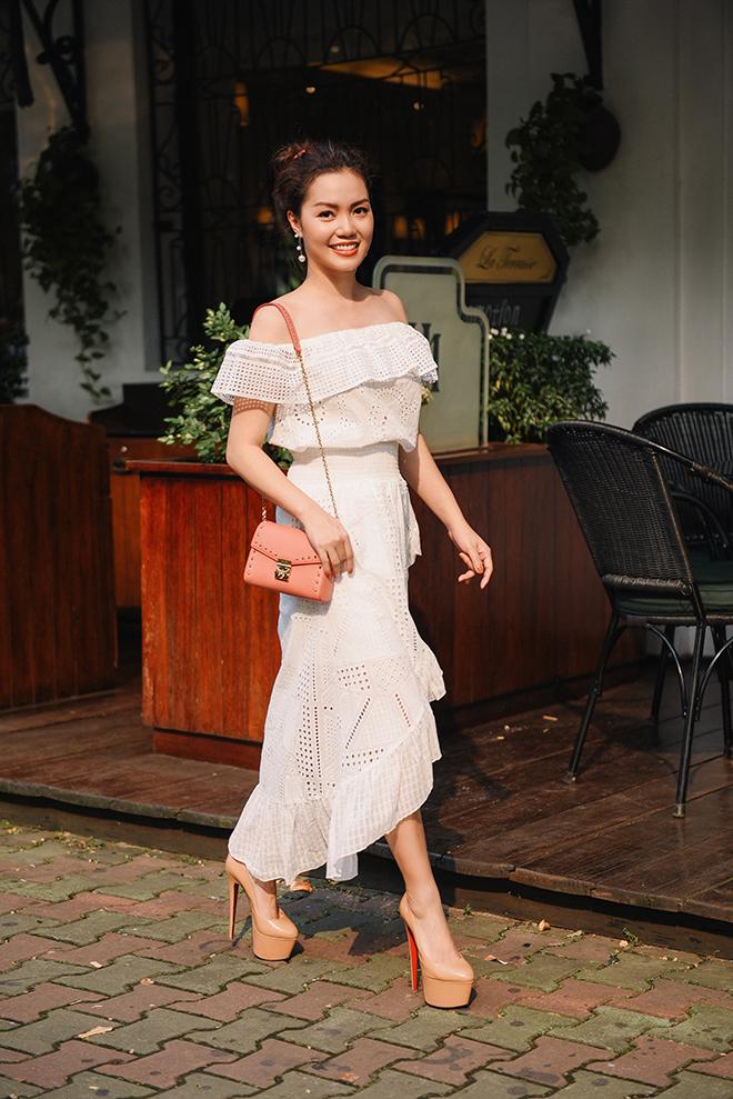 Nguyễn Ngọc Anh ngọt ngào với váy áo nữ tính đón gió lạnh cuối thu Ảnh 9