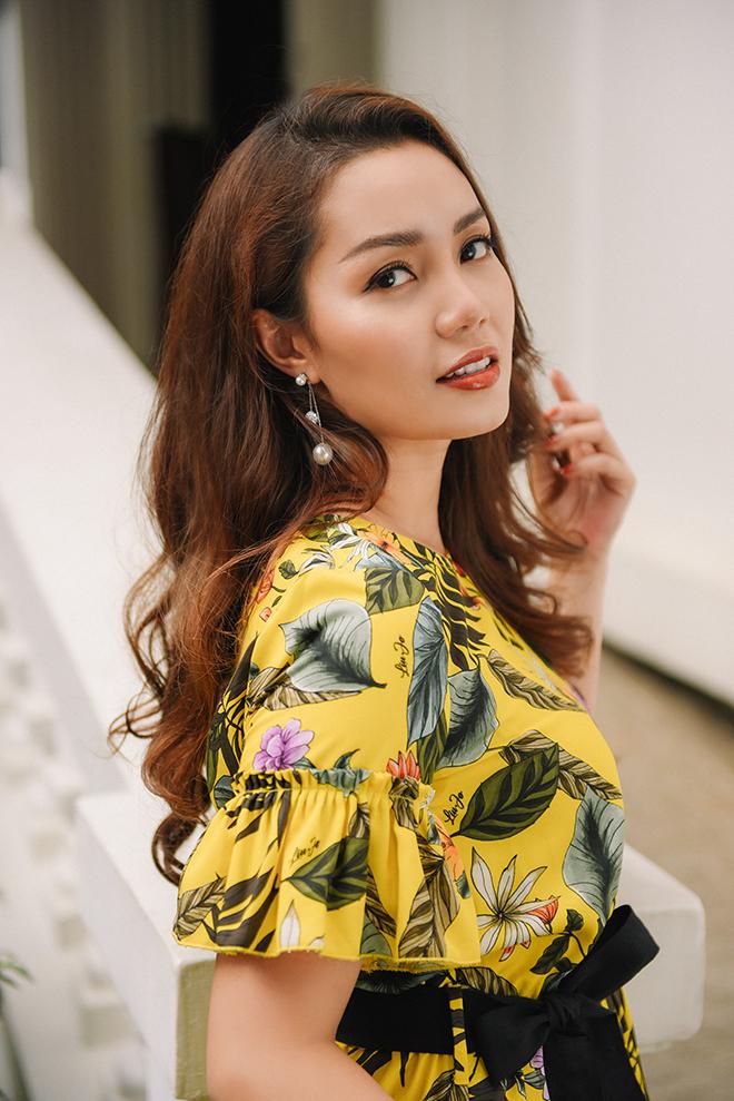 Nguyễn Ngọc Anh ngọt ngào với váy áo nữ tính đón gió lạnh cuối thu Ảnh 8