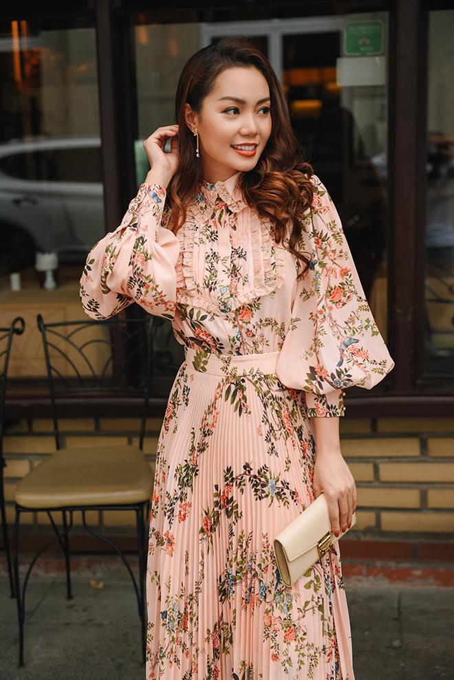 Nguyễn Ngọc Anh ngọt ngào với váy áo nữ tính đón gió lạnh cuối thu Ảnh 4