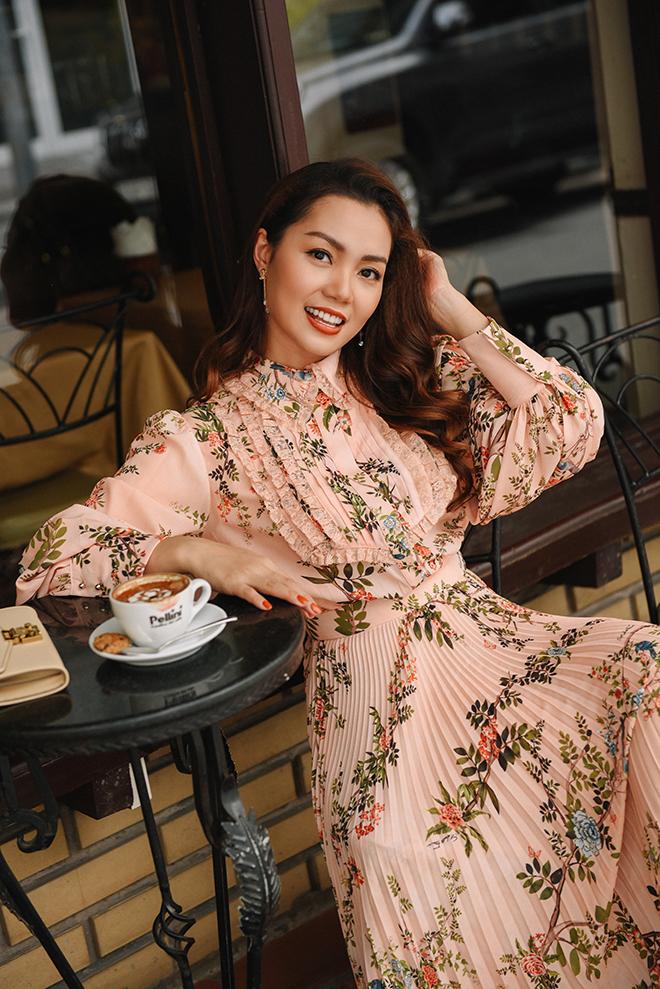 Nguyễn Ngọc Anh ngọt ngào với váy áo nữ tính đón gió lạnh cuối thu Ảnh 2