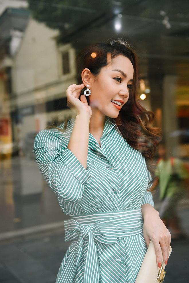 Nguyễn Ngọc Anh ngọt ngào với váy áo nữ tính đón gió lạnh cuối thu Ảnh 3