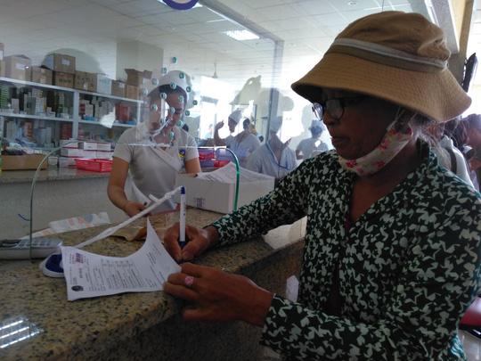 Lần đầu tiên VN dùng ca nô cấp cứu người bệnh Ảnh 2