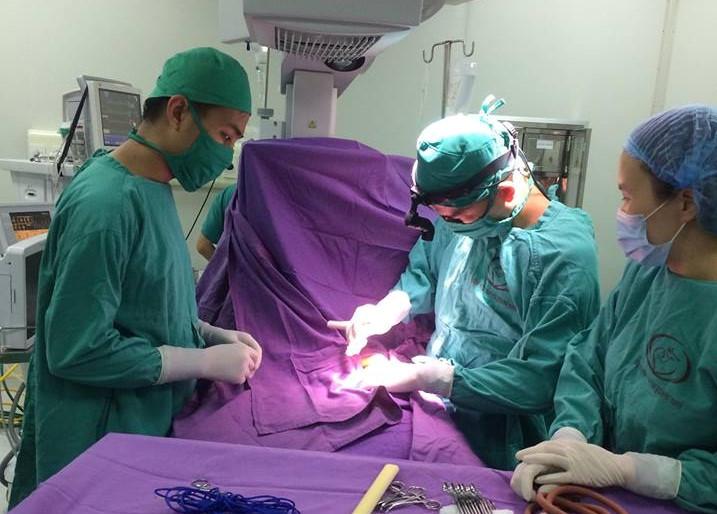 Quảng Ninh: Phẫu thuật thành công cho bệnh nhi 13 ngày tuổi bị tăng áp động mạch phổi nặng Ảnh 1