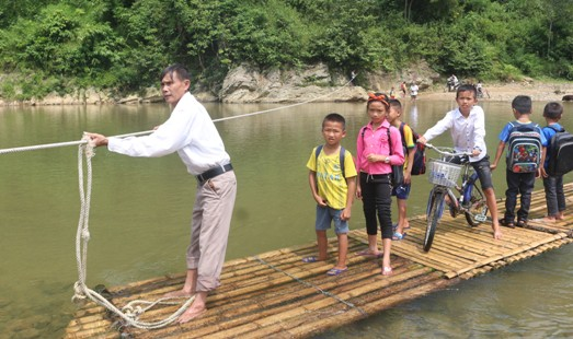Chông chênh đường đến trường của các em vùng cao Thanh Hóa Ảnh 3