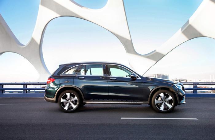 Mercedes-Benz GLC trục cơ sở dài ra mắt tại Trung Quốc Ảnh 1