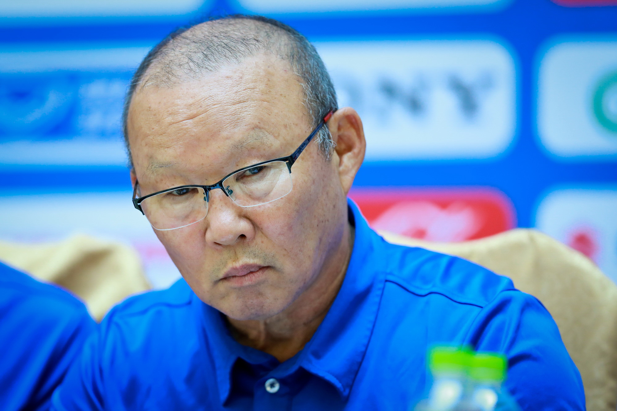 Tại sao HLV Park muốn thủ môn Incheon tiếp tục thi đấu dù nhận thẻ đỏ? Ảnh 1
