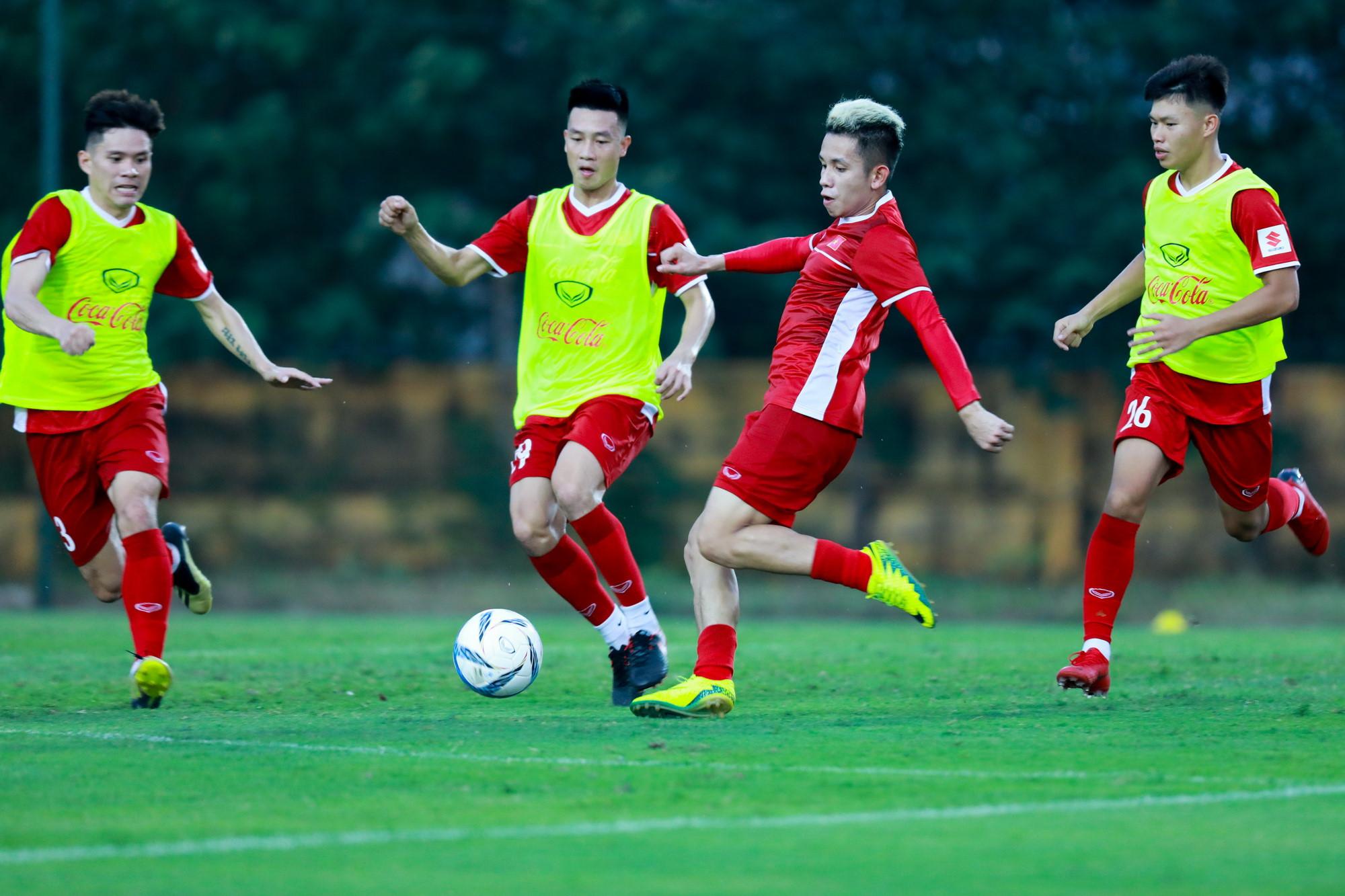 Tại sao HLV Park muốn thủ môn Incheon tiếp tục thi đấu dù nhận thẻ đỏ? Ảnh 2