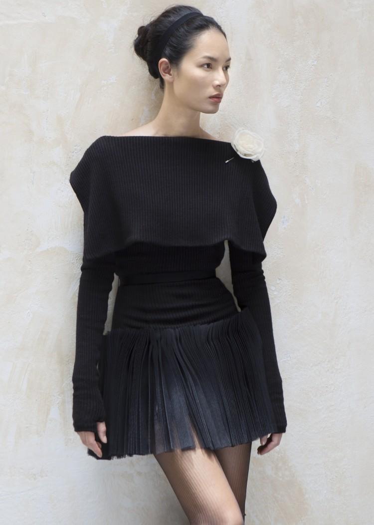 Siêu mẫu vàng 1 thời Bảo Hòa khoe thần thái cuốn hút với váy áo chuẩn hot trend thu đông Ảnh 6