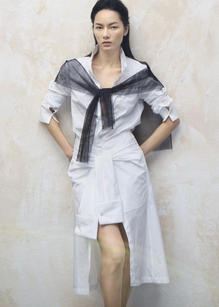 Siêu mẫu vàng 1 thời Bảo Hòa khoe thần thái cuốn hút với váy áo chuẩn hot trend thu đông Ảnh 2