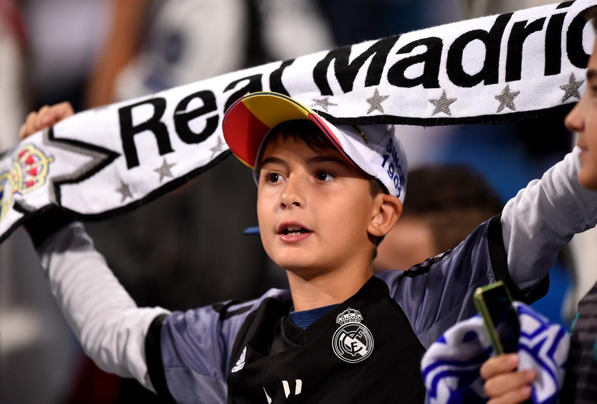 Real Madrid vs Viktoria Plzen (1-0, H2): Benzema đánh đầu mở tỷ số Ảnh 11