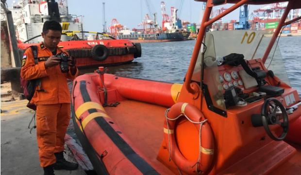 Nỗi ám ảnh của đội cứu hộ sau thảm kịch rơi máy bay ở Indonesia Ảnh 1