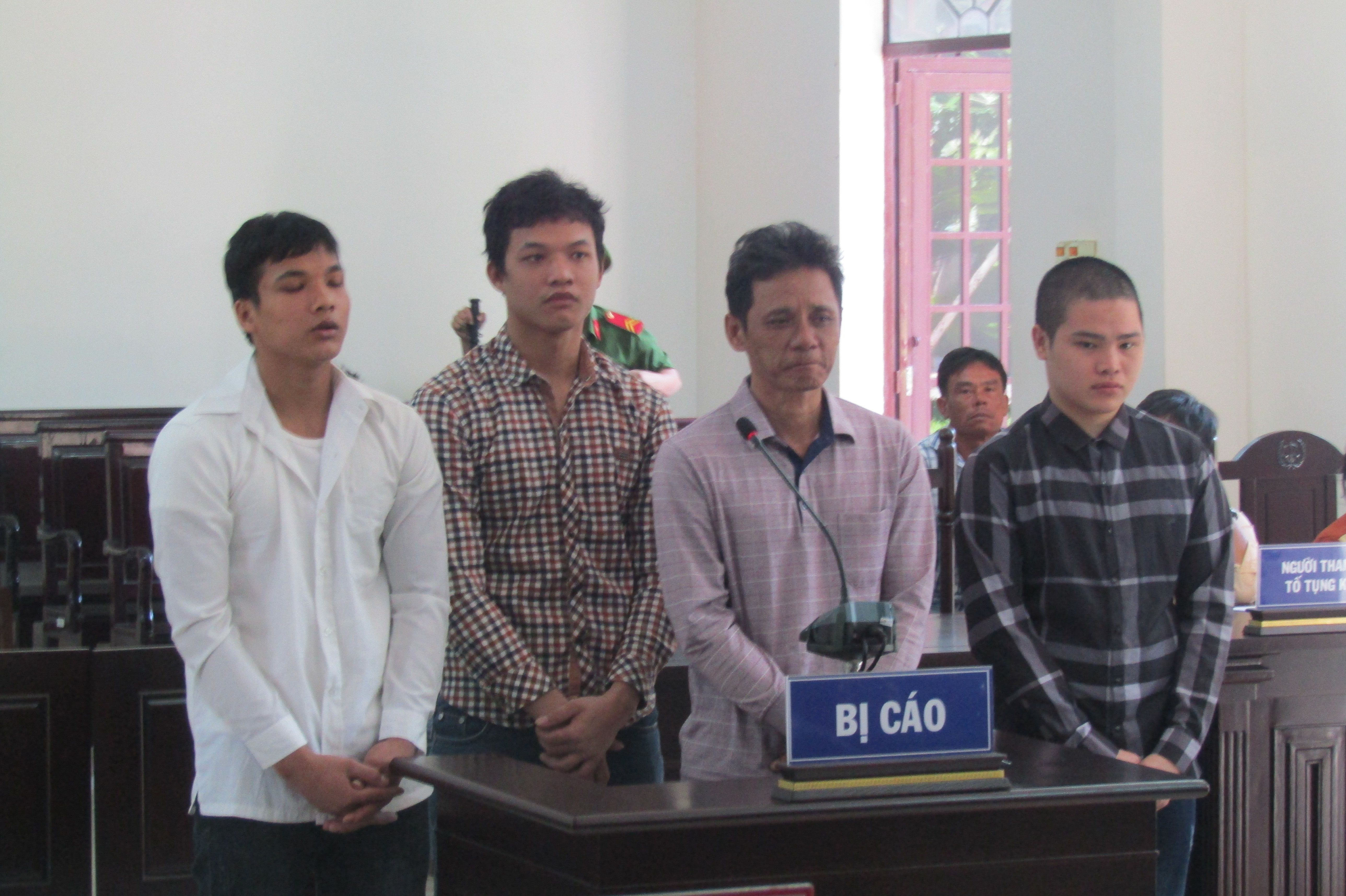Giết người, 4 cha con trong một gia đình lãnh tổng cộng 51 năm tù Ảnh 1