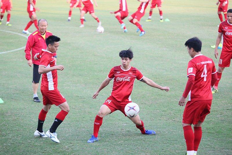 Trọng Hoàng: 'Lứa U23 hiện tại chưa thể bằng thế hệ vô địch năm 2008' Ảnh 2