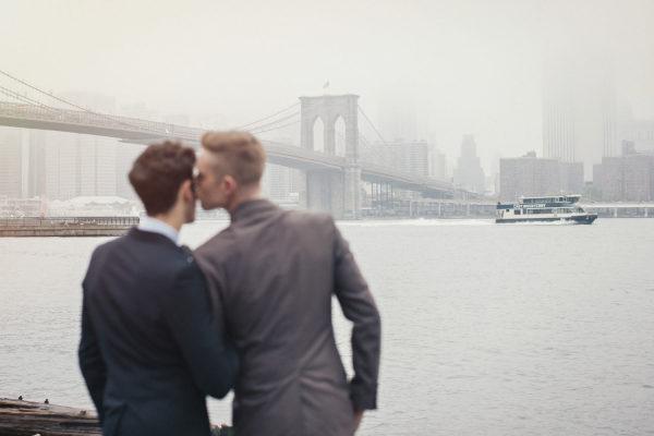Bộ ảnh cưới đồng tính giữa đậm sắc màu thời gian giữa lòng thành phố New York Ảnh 2