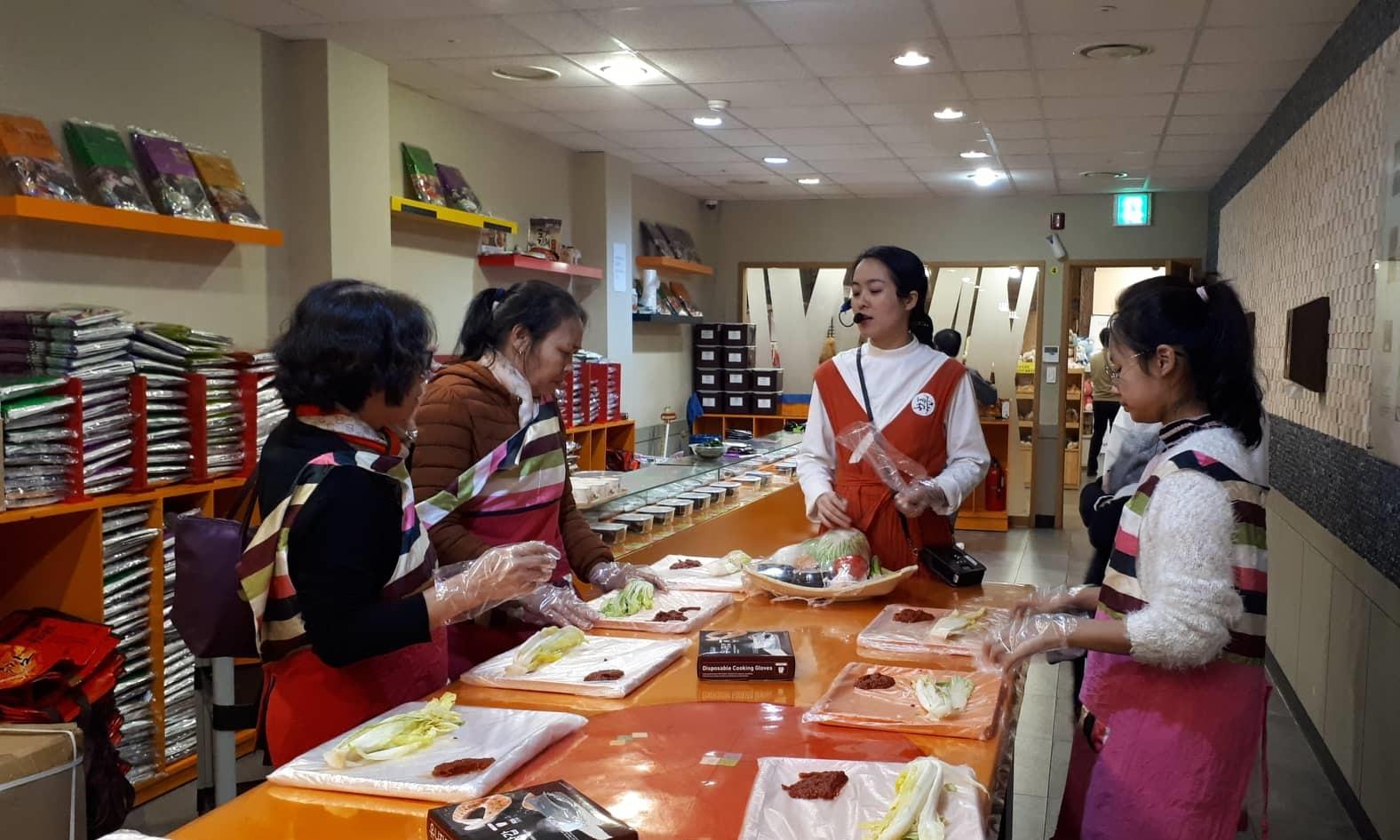 Lá vàng, lá đỏ vào đợt đẹp nhất mùa thu xứ Hàn Ảnh 11