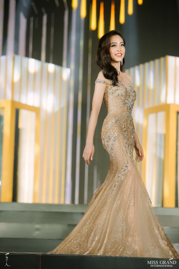 Phương Khánh đại sứ nghiện màu vàng - gam màu định mệnh cho ngôi vị Miss Earth 2018 Ảnh 9