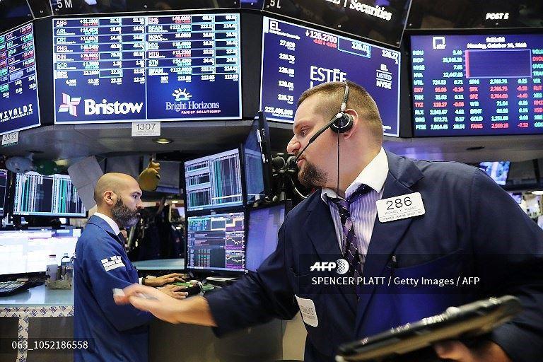 Khối ngoại mua mạnh cổ phiếu HPG và MSN trong phiên 5/11 ảnh 1