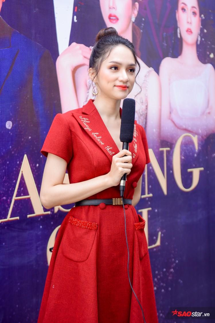 Combo 'nhỏ mà có võ' khiến Hương Giang như thỏi nam châm hút mọi ánh nhìn trên thảm đỏ The Tiffany Việt Nam Ảnh 1