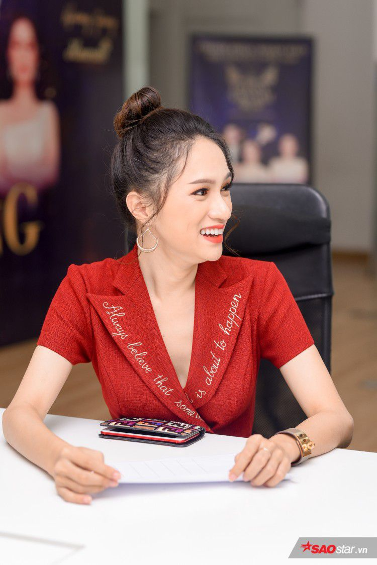 Combo 'nhỏ mà có võ' khiến Hương Giang như thỏi nam châm hút mọi ánh nhìn trên thảm đỏ The Tiffany Việt Nam Ảnh 4