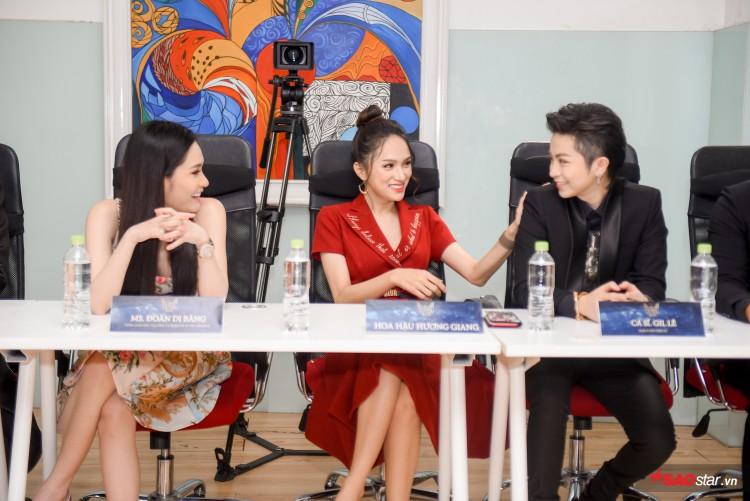 Combo 'nhỏ mà có võ' khiến Hương Giang như thỏi nam châm hút mọi ánh nhìn trên thảm đỏ The Tiffany Việt Nam Ảnh 8