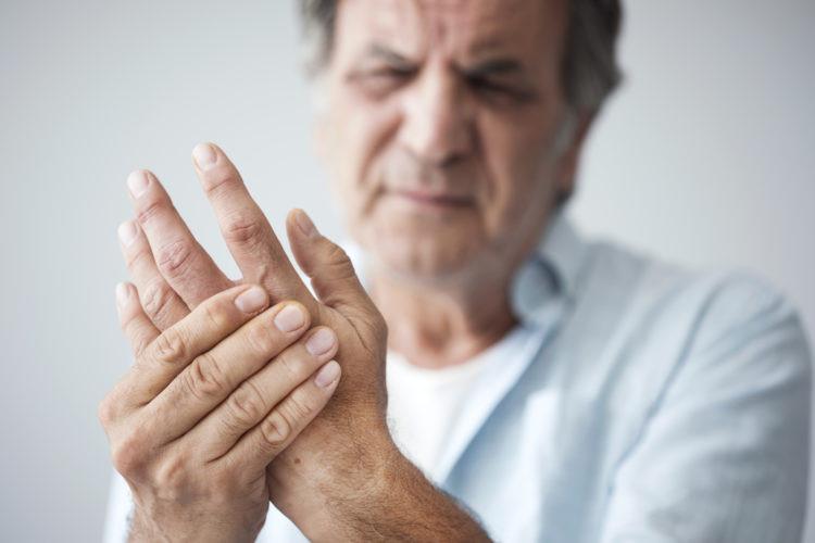 10 triệu chứng nguy hiểm của bệnh cột sống Ảnh 1