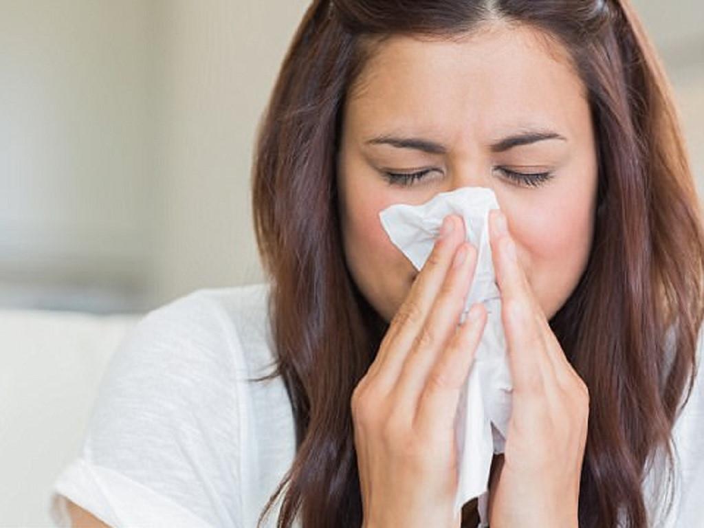 Bạn có biết cách hỉ mũi? Hỉ không đúng cách sẽ gây hại cho bạn Ảnh 1