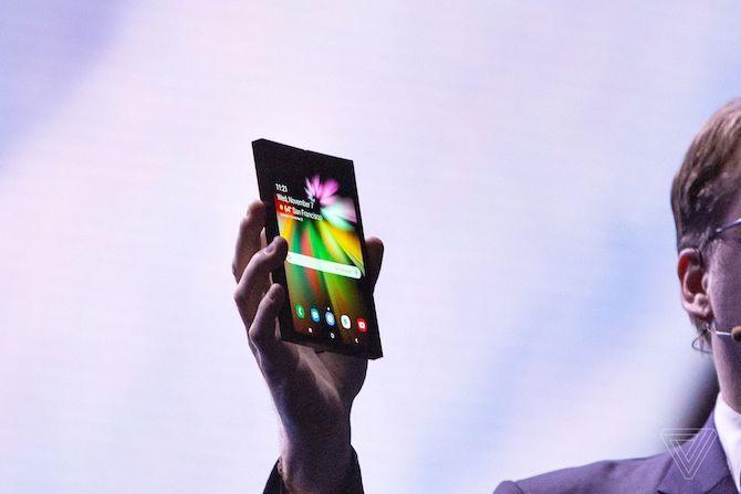 Điện thoại màn hình gập sẽ dùng như thế nào? Ảnh 2