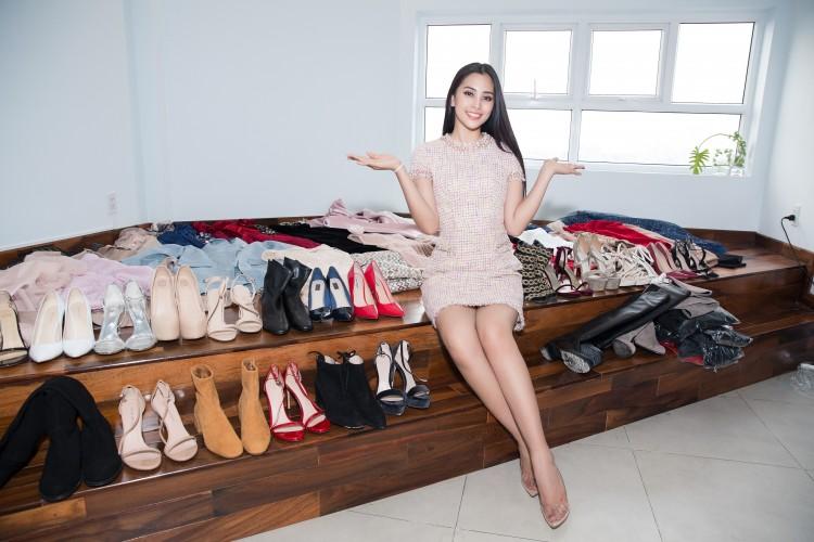 Hoa mắt với lượng váy áo khủng mà hoa hậu Tiểu Vy mang đến Miss World Ảnh 10