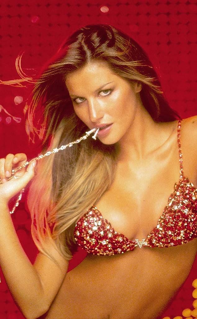 Chiêm ngưỡng những mẫu nội y đắt giá bậc nhất của Victoria's Secret Ảnh 18