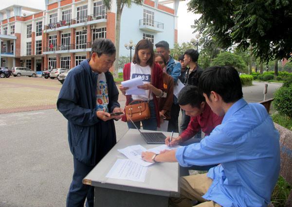 Vé chợ đen xem ĐT Việt Nam tăng phi mã sau một ngày phát hành Ảnh 1